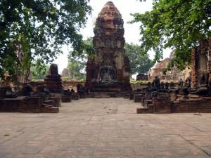Ayutthaya: Lotsa Wats
