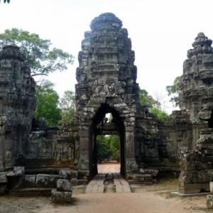 Angkor Wat: the Grand Tour