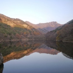 Apples, Ponds, and the Colors of Fall: A Ride to Cheongsong