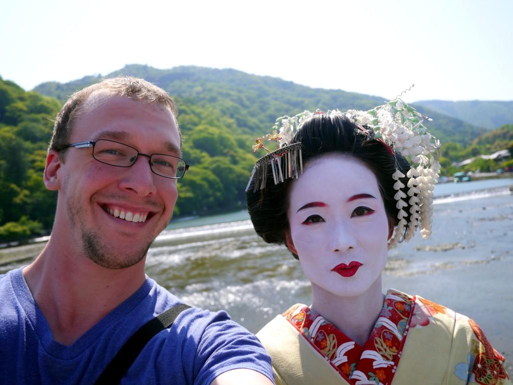 While walking across a bridge in Arashiyama, I chanced upon a maiko.