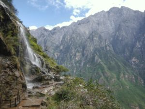 Tiger Leaping Gorge: the Full Trek