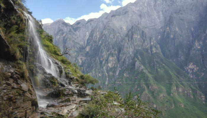 Tiger Leaping Gorge: the Full Trek
